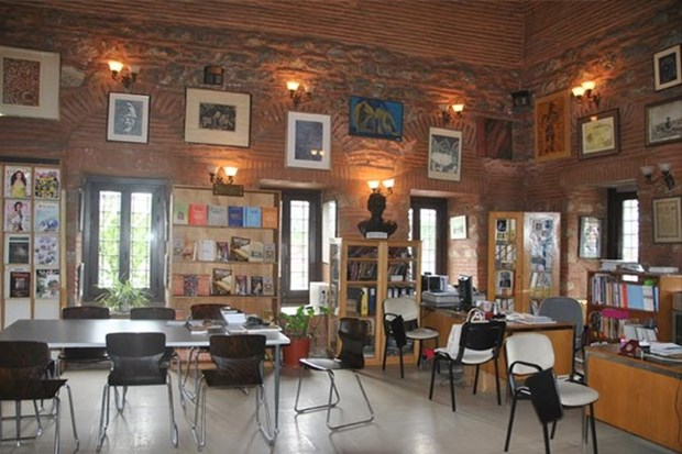 8- Kadın Eserleri Kütüphanesi - İstanbul