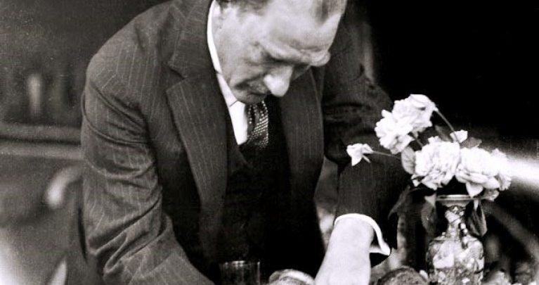 Photo of Atatürk'ün Yazdığı Eserleri Biliyor musunuz?