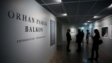 Photo of Orhan Pamuk – Balkon